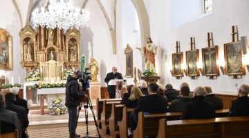 The speech of the company director at the church of St. Martin